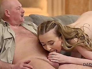 DADDY4K. Daddy still remembers Russian and how a young pussy tastes
